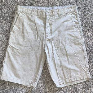 Mens H&M shorts.